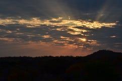 Solnedgång i Warmbaths arkivbild