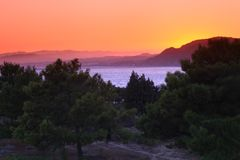Solnedgång ii Pefkos Royaltyfria Foton