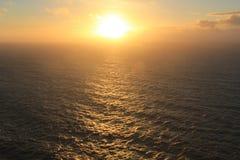 Solnedgång inställningssolen Udde Cabo da Roca, Portugal Royaltyfri Fotografi