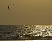 Solnedgång Kiting Royaltyfri Fotografi
