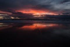 Solnedgång Kust av Atlantic Ocean Arkivbilder