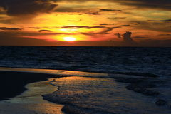 Solnedgång Maldiverna Arkivbild