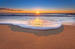 Solnedgång med härlig himmel Royaltyfria Foton