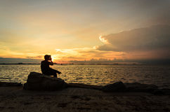 Solnedgång med silhouettestyen Royaltyfria Foton