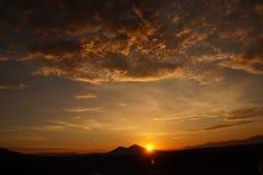Solnedgång Mount Vesuvius, vulkan i Italien Fotografering för Bildbyråer