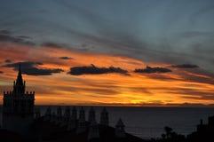 Solnedgång och dramatisk himmel i Tenerife Arkivfoton