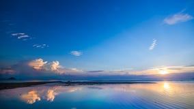 Solnedgång och hav Royaltyfria Bilder