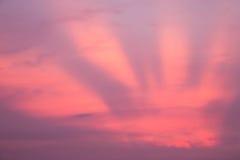 Solnedgång och himmel i skymningtid Arkivfoto