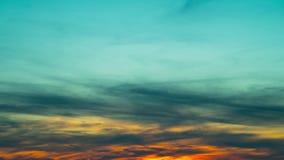 Solnedgång och moln, abstrakt bakgrund, Time-schackningsperiod stock video