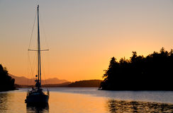 Solnedgång på ankringen Royaltyfri Bild