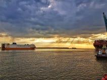Solnedgång på Antwerp Royaltyfria Bilder