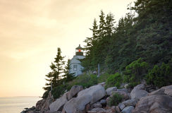 Solnedgång på Bass Harbor Lighthouse Royaltyfri Bild