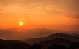 Solnedgång på berget Fotografering för Bildbyråer