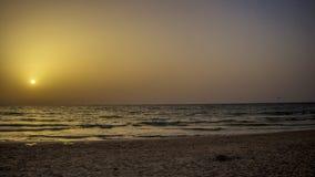 Solnedgång på Beth Yani Beach Arkivfoton