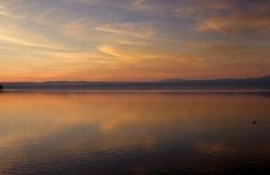 Solnedgång på Bracciano sjön Fotografering för Bildbyråer