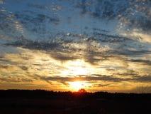 Solnedgång på brinnande Bush Arkivfoto