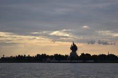 Solnedgång på Buddha fotografering för bildbyråer