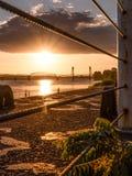 Solnedgång på Columbiaet River arkivbilder