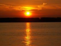 Solnedgång på Danube Arkivbilder