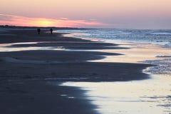 Solnedgång på den Ameland ön, Nederländerna Fotografering för Bildbyråer