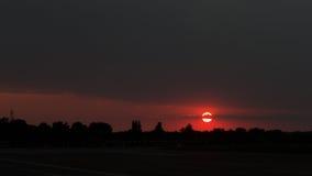 Solnedgång på den Baneasa flygplatsen Royaltyfria Foton