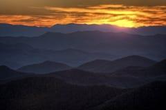 Solnedgång på den blåa Ridge Parkway Arkivfoto
