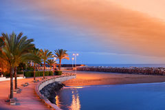 Solnedgång på den Calheta stranden i madeira Arkivbild