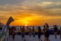 Solnedgång på den Clearwater stranden Florida Arkivbild