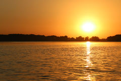 Solnedgång på den Dnieper floden, Ukraina Royaltyfri Foto