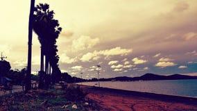 Solnedgång på den Dongtan chonburien Thailand Royaltyfria Bilder