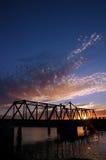 Solnedgång på den fackliga punktbron, Kalifornien arkivfoto