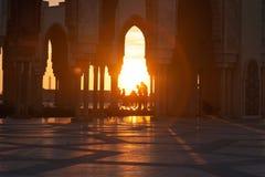 Solnedgång på den Hasan II moskén i Casablanca arkivfoto