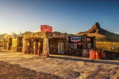 Solnedgång på den kalla vårstationen på historisk rutt 66 i Arizo Arkivfoton