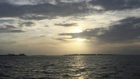 Solnedgång på den Kurumba ön, Maldiverna Fotografering för Bildbyråer