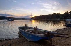 Solnedgång på den Lipno fördämningen Arkivfoto