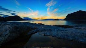 Solnedgång på den Lofoten kusten lager videofilmer