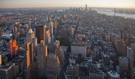 Solnedgång på den Manhattan ön Arkivbilder