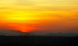 Solnedgång på den Phukradueng nationalparken, Thailand Arkivbild