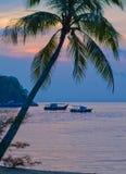 Solnedgång på den Tioman ön Royaltyfria Bilder