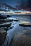 Solnedgång på den Uttakleiv stranden, Lofoten Norge Fotografering för Bildbyråer