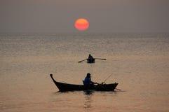 Solnedgång på det Andaman havet, Thailand Royaltyfri Bild