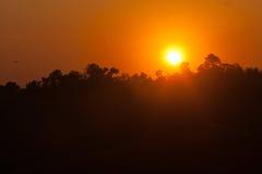 Solnedgång på det Doi måndag driftstoppChiang Mai landskapet Thailand Arkivbild