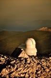 Solnedgång på det monteringsEvans observatoriumet Royaltyfria Bilder