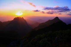 Solnedgång på Doi Chiang Dow royaltyfri bild