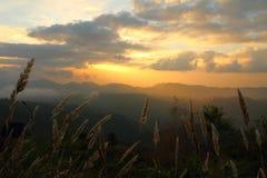 Solnedgång på Doi Lang Arkivfoton
