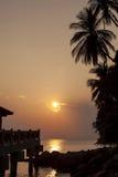 Solnedgång på en tropisk ö Malaysia Royaltyfria Foton