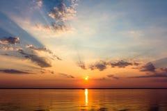 Solnedgång på fjärden Arkivbilder