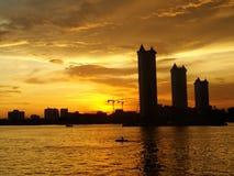 solnedgång på floden på Bangkok Royaltyfria Bilder