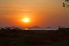 Solnedgång på Flores Arkivbilder
