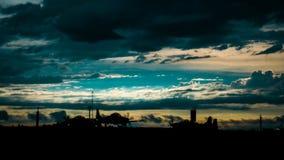 Solnedgång på flygplats Royaltyfri Bild